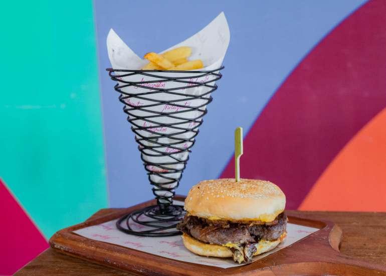 milagritos, moa restaurant, burger