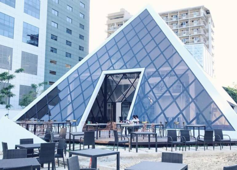 the pyramid, it park restaurants, cebu restaurant, what to do in cebu