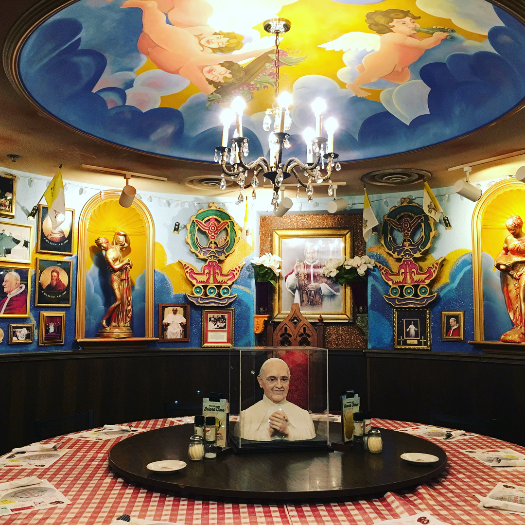 Buca di beppo an italian restaurant chain from the us is coming to manila booky - Buca di beppo pope table ...