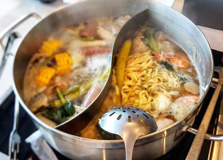 Know More About the Four Seasons Buffet & Hotpot's Menu, Rates, and Hotpot Tips!
