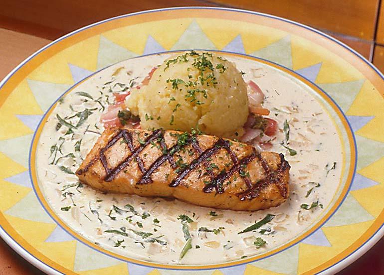 grilled-salmon-mashed-potato