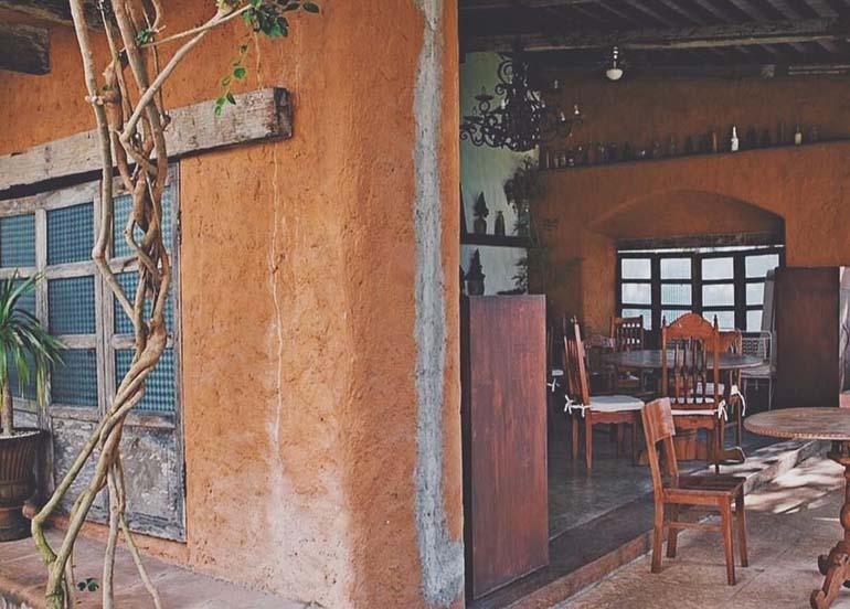 Pinto Cafe Exterior and Interior