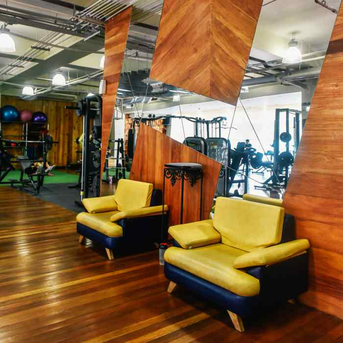 fitness gym workout exercise abs circuit training full body workout personal trainer beginner strength weight zumba dance yoga poses bike hybrid las pinas