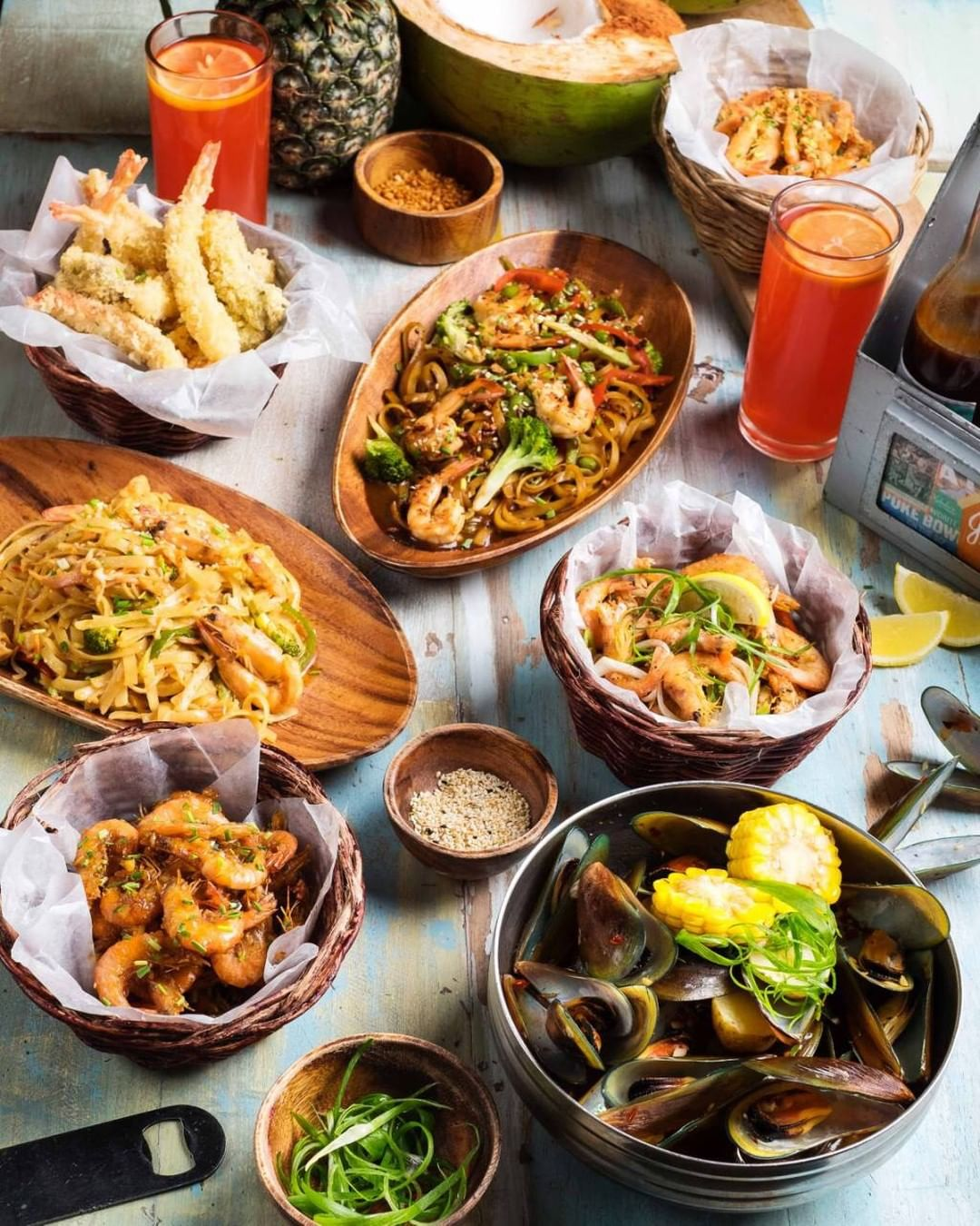 resorts world newport shrimp seafood johnny kahuku