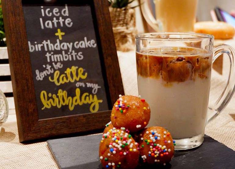 donut-balls-and-latte