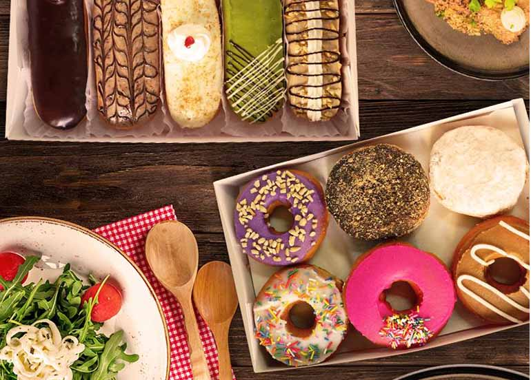 donuts-and-eclairs
