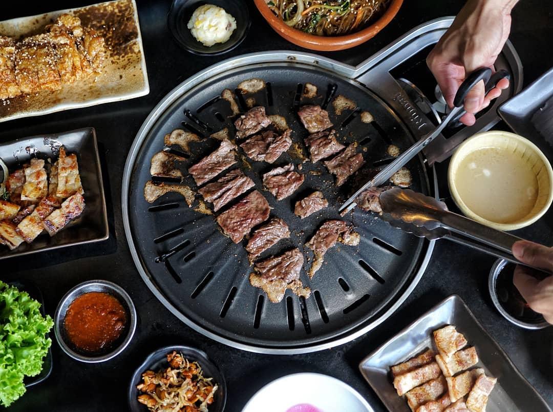 korean-barbecue-grilling