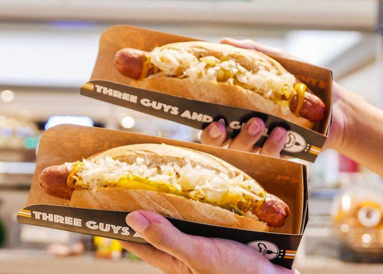 hotdog sandwich three guys and a grill
