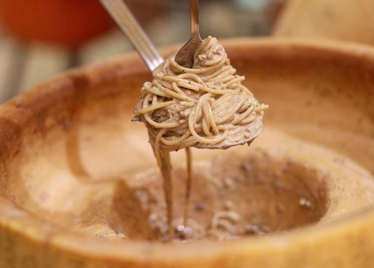 cheese wheel pasta italian