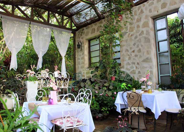 romantic-restaurants-in-tagaytay