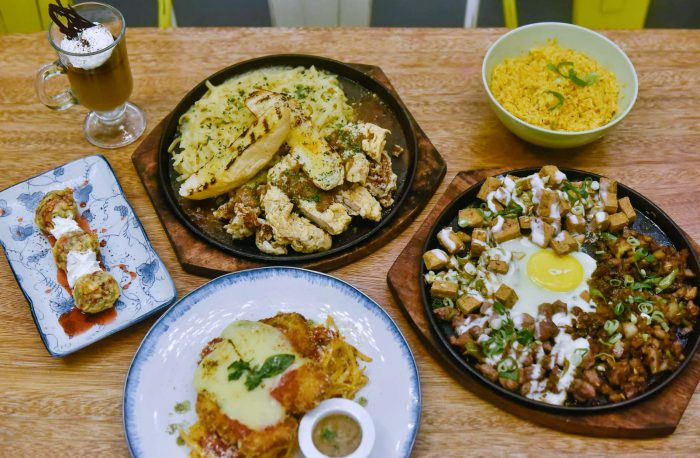 restaurants in las pinas, where to eat in las pinas, cavite restaurants, where to eat in cavite, dasmarinas, filipino food, filipino recipes, malaysian food, cafe, coffee beans