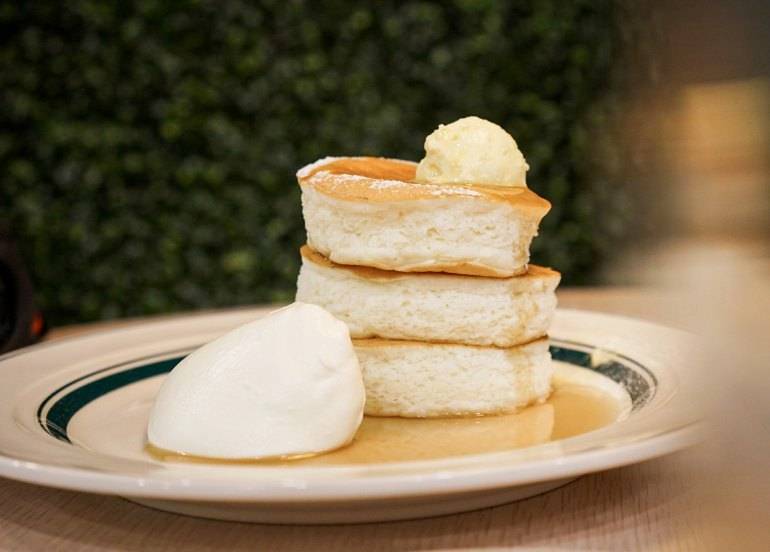 Japan's Gram Cafe and their Fluffy Soufflé Pancakes are Finally Here in Manila!