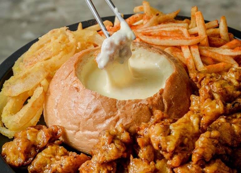 Chicken and Cheese Fondue from Kko kko