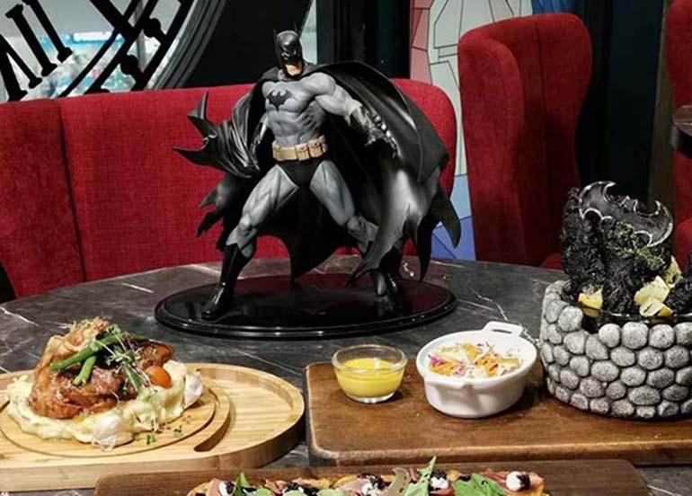 batman-table-display