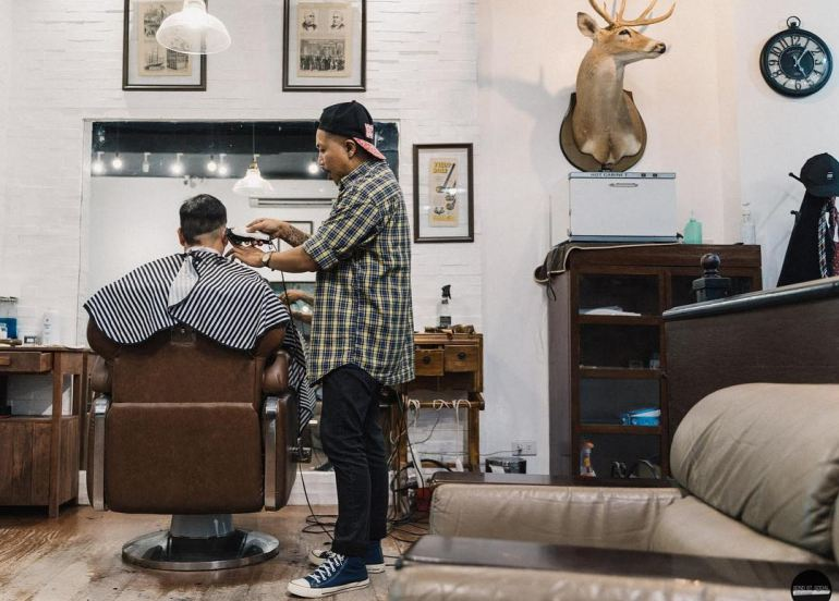 mens haircuts, barber shop, barbers cut, hairstyle for men, sports barbers, alcoholic drinks, liquor, beer, whisky