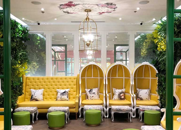 yellow-lounge-chairs