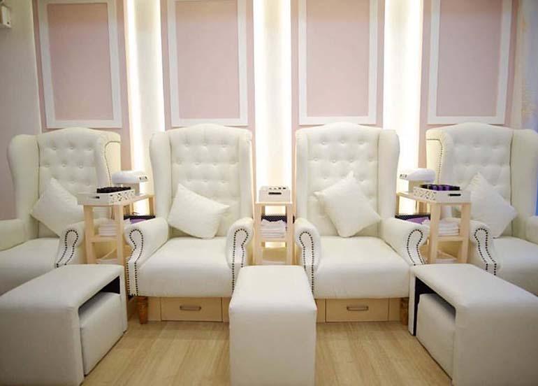 white-pink-interiors