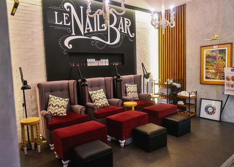 nail-bar