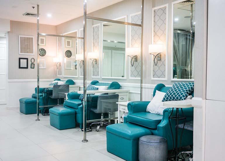 sofas-for-mani-pedi-treatments