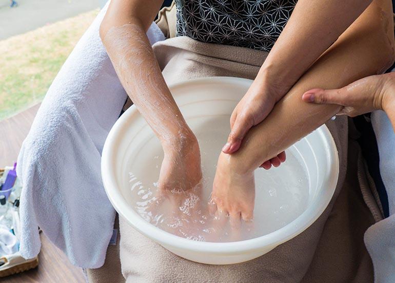 hand-exfoliator-soak