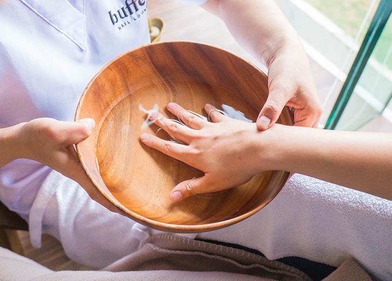 hand-moisturizing-soak
