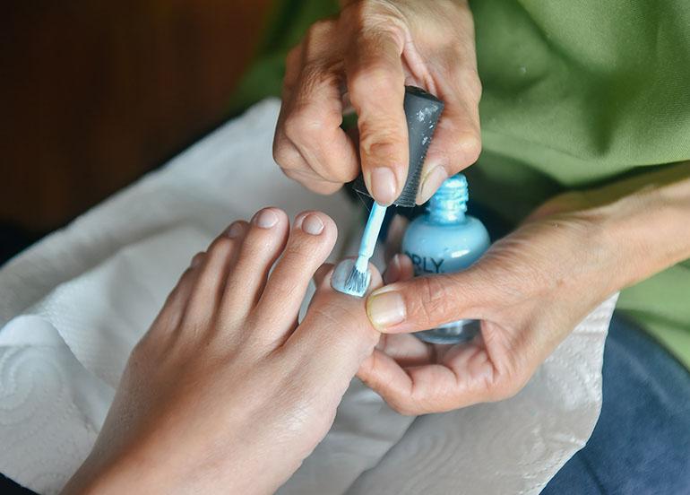 foot-nail-polish
