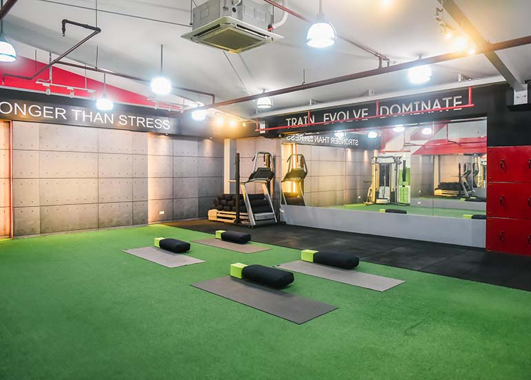 yoga studio, yoga mats