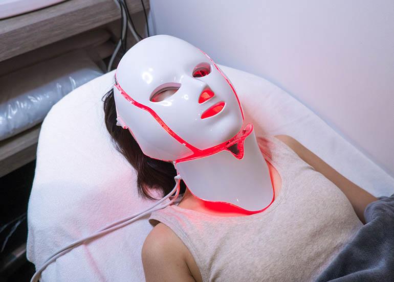 Photo dynamic Treatment Mask by Skin Manila