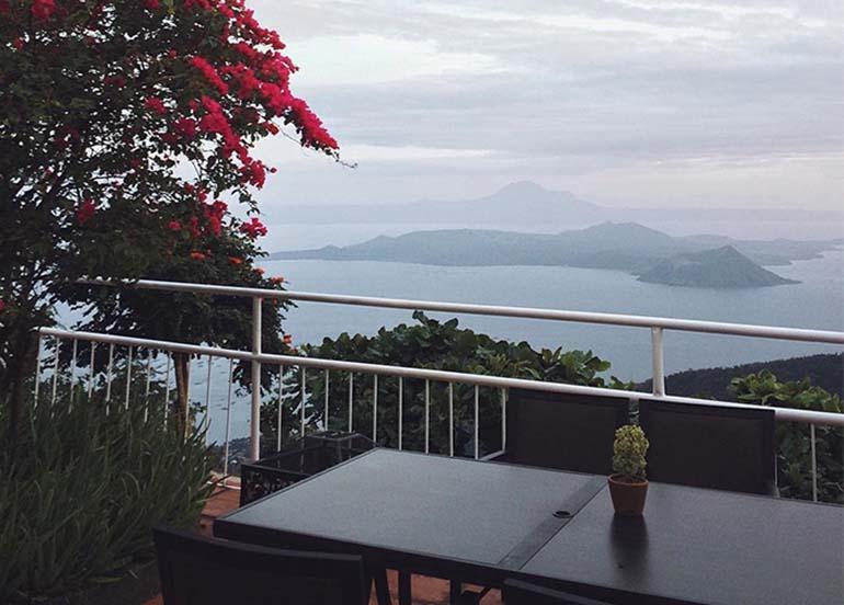 tagaytay-taal-volcano-view