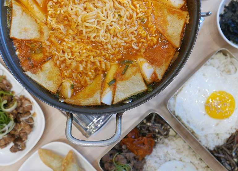 Noodles, Soup, and Dosirak from Kko Kko