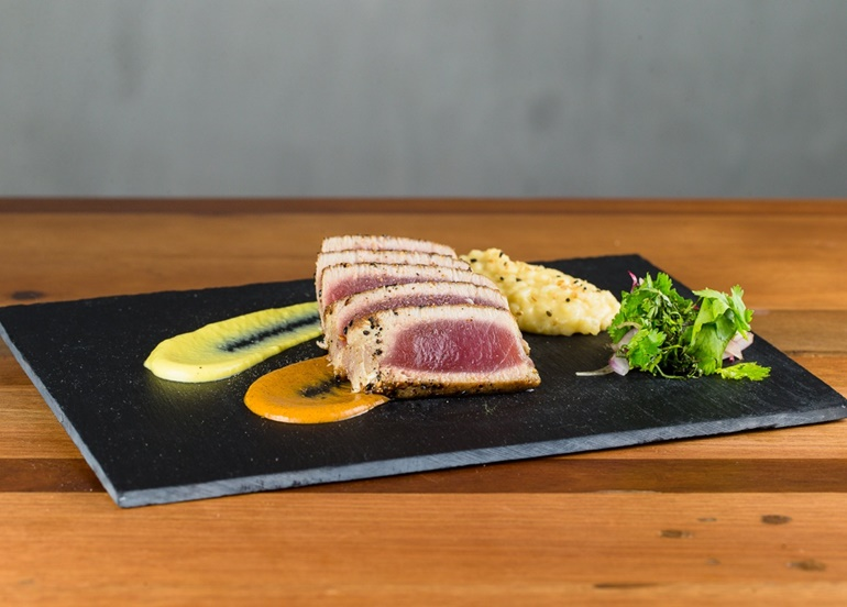 nikkei-seared-tuna