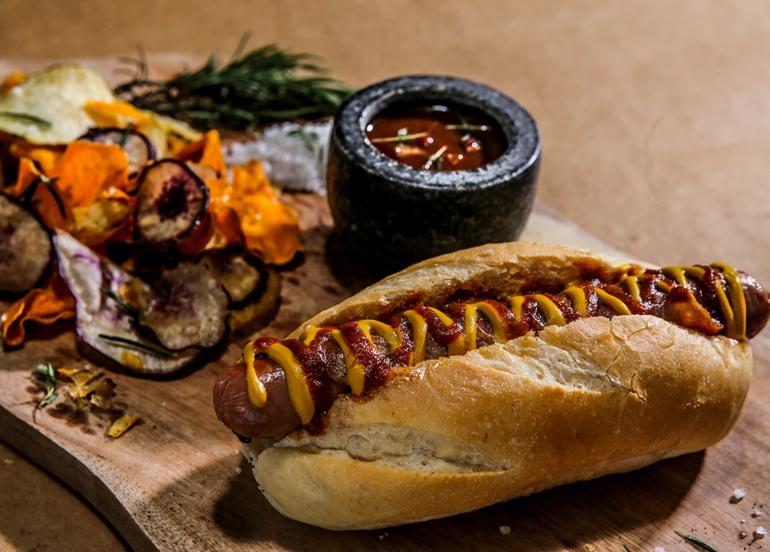 bacon-hotdog-sandwich
