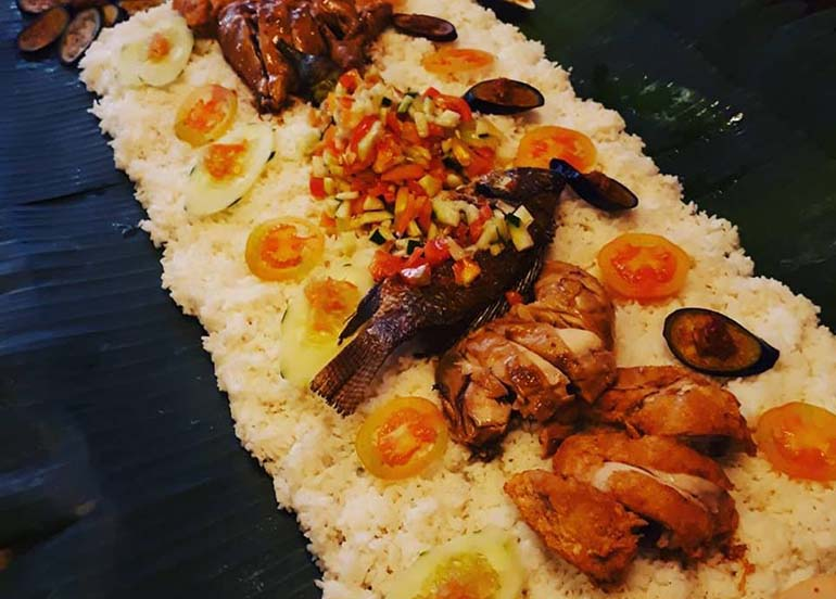 seafood-boodle-fight