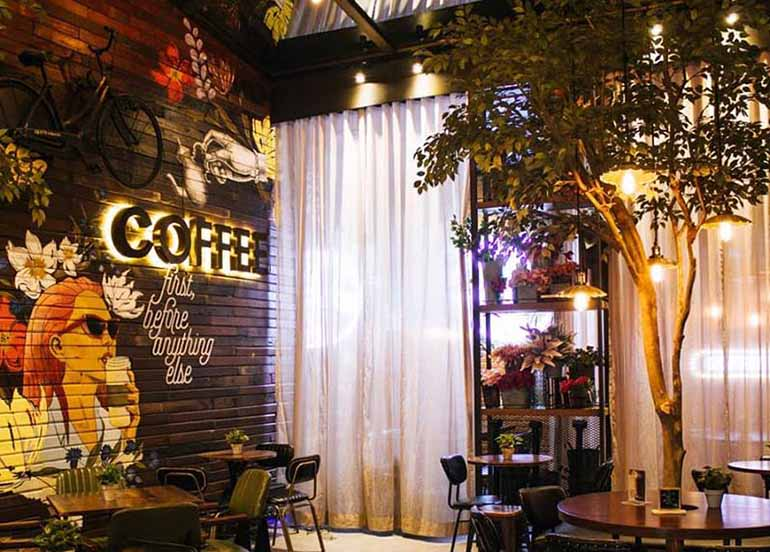 garden-themed-coffee-shop