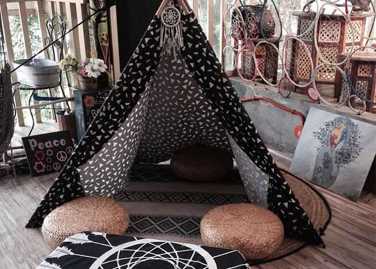 Tent at Dreamland Arts and Cafe, Tagaytay branch