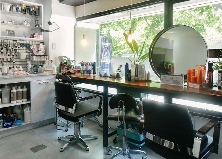 beauty-salon-with-a-view