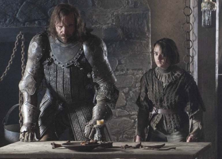 game of thrones, game of thrones episodes, the hound, chicken