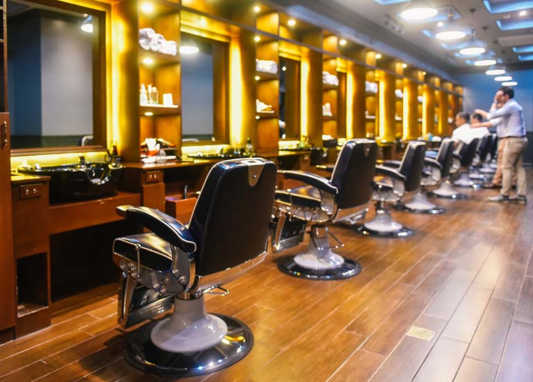 wooden-interiors-barbershop