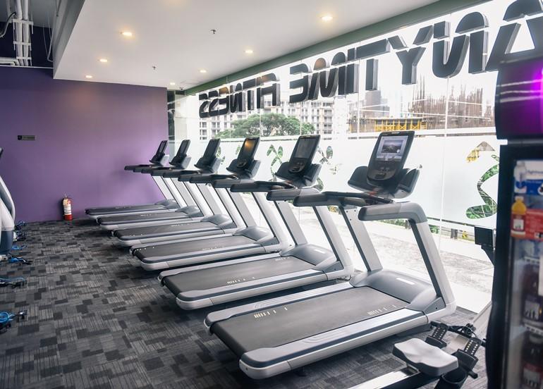 anytime-fitness-treadmills