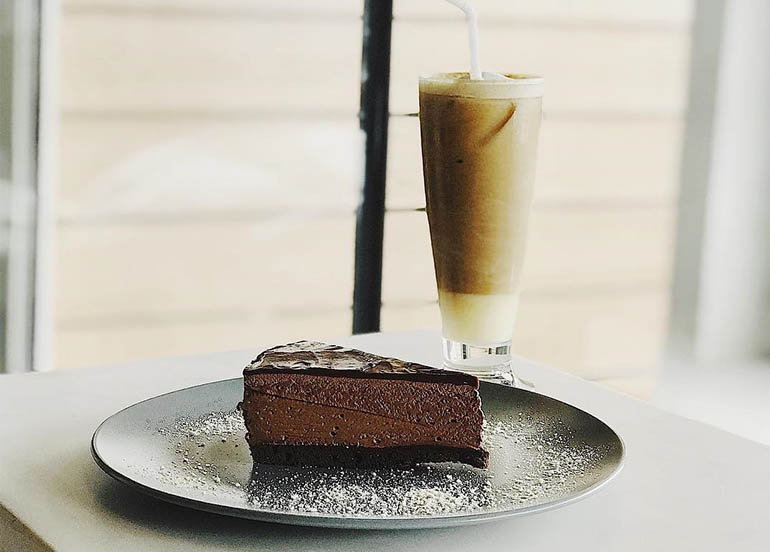 Spanish Latte and Chocolate Mousse from TOSH Cafe