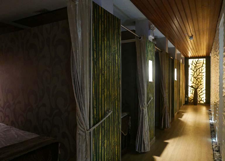 spa-hallway