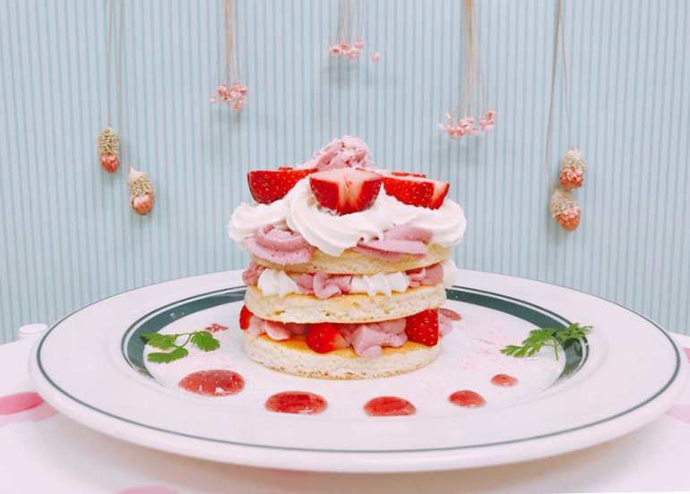 gram cafe strawberry souffle pancakes