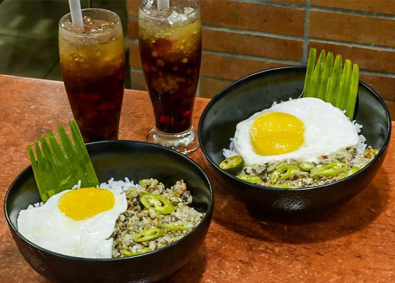 Sisig Rice Bowl and Sago't Gulaman from Max's Restaurant