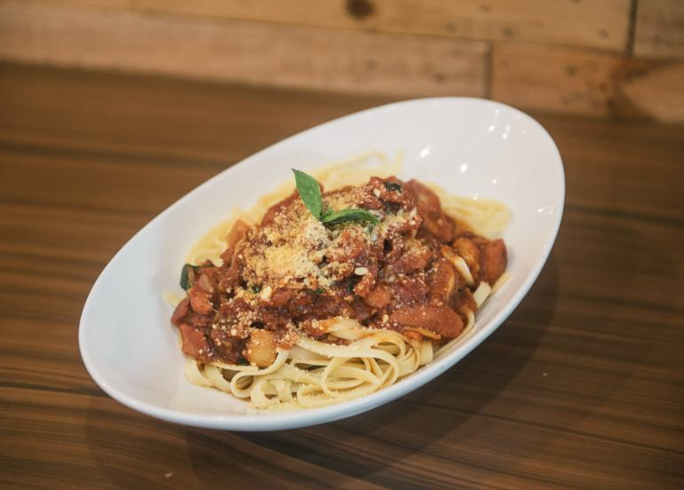 pasta, crazy wings, maginhawa restaurants, maginhawa street, fried chicken, wings