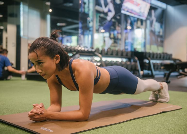 woman-planking