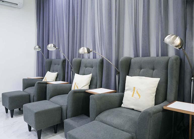 nail-salon-chairs