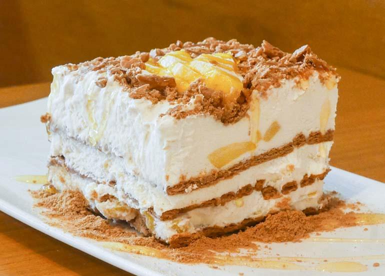 Mango Float or Mango Graham Cake