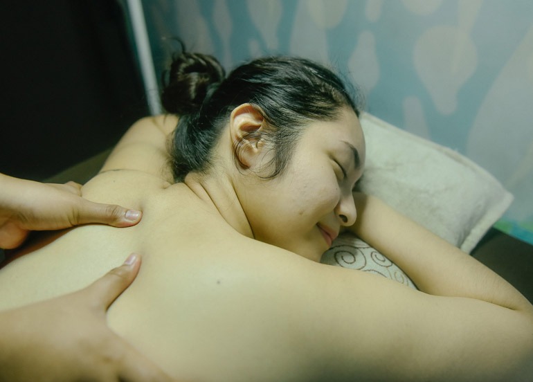 Back Massage from Pampered Nails & Body