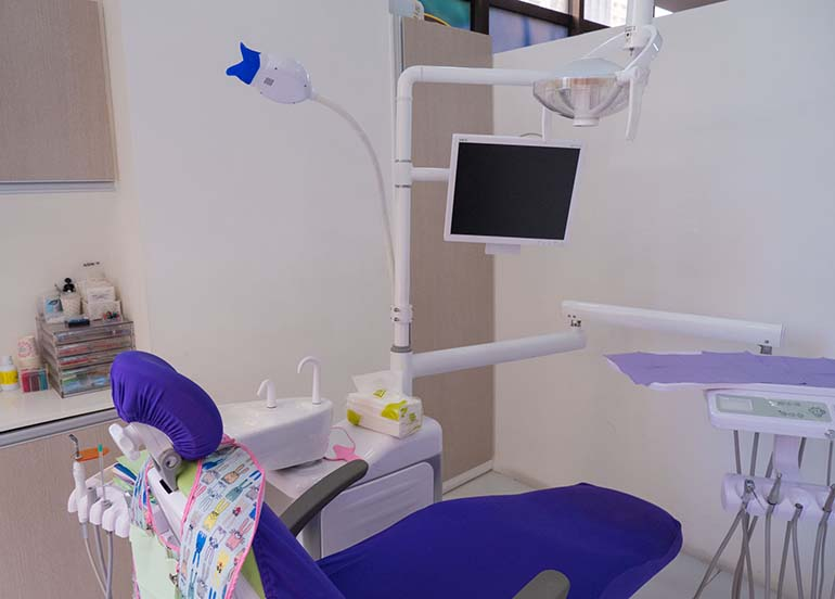 dental-chair-with-tv