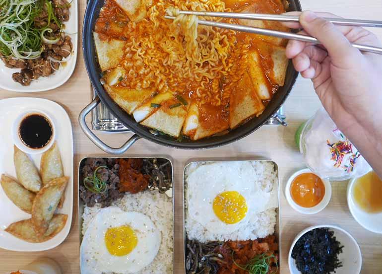 Noodles, Dosirak and Dumplings from Kko Kko Home